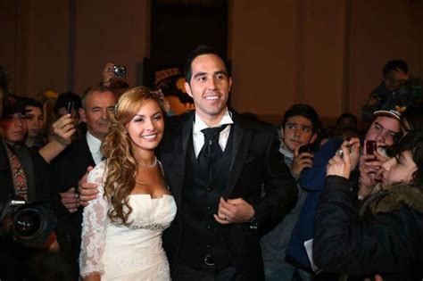 claudio bravo height weight body statistics healthy celeb