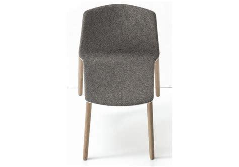 quatre pieds chaises rama quatre pieds en bois chaise couvert kristalia milia