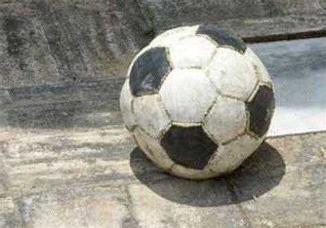 wer hat fussball erfunden