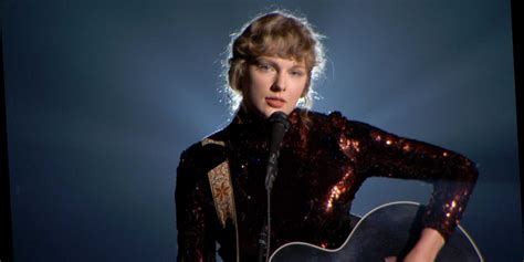 Taylor Swift Goes Back To Her Roots (And Bangs) With ...