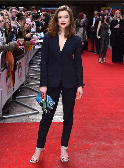 pictures  english actress sophie cookson peanut