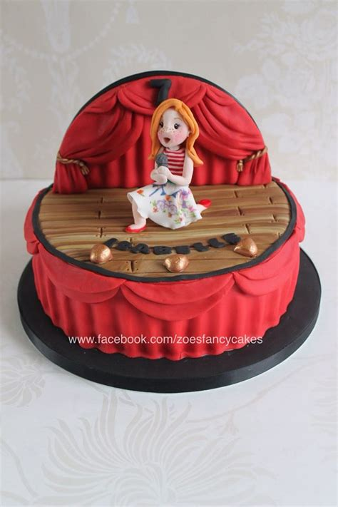Singer On Stage Cake By Zoesfancycakes On Deviantart