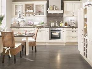 Gunstige einbaukuchen roller rheumricom for Roller einbauküchen