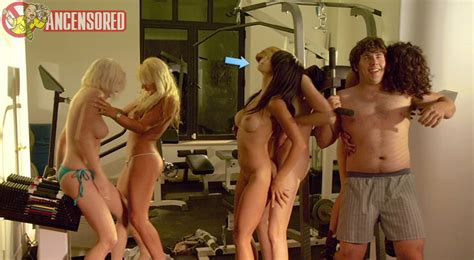 Naked Christine Nguyen In Sex Pot