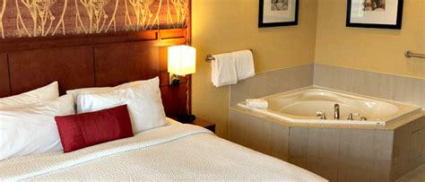 tubs in colorado colorado springs whirlpool suite hotel rooms with