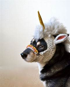 MYTHICAL: A Crocheted Unicorn Mask For Dogs - Geekologie
