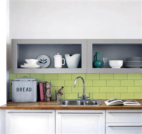 peinture cuisine vert anis spécial carrelage laurence cattoire relations presse