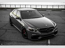 Potente Limo Mercedes Benz E63 AMG auf HRE R101