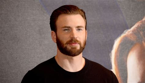 'Captain America' gets explicit photo leaked on social media
