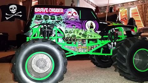 grave digger monster truck youtube grave digger rc monster truck youtube