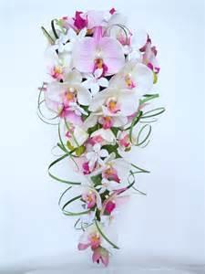 bouquet de mariage les 25 meilleures idées de la catégorie cascade de bouquets de mariage sur bouquet