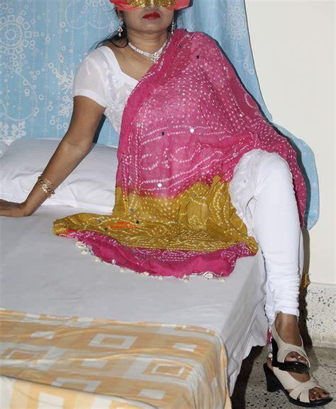 Aishwarya Rai Saroja Bhabi White Chudidaar Strip
