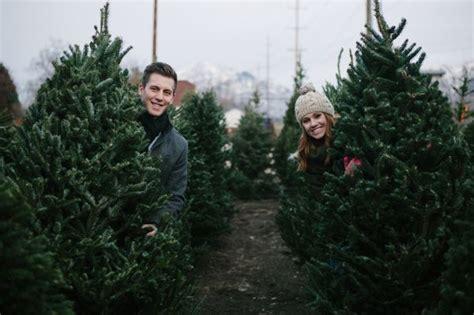 christmas tree lot ideas cozy tree farm anniversary shoot by jamison elizabeth photography