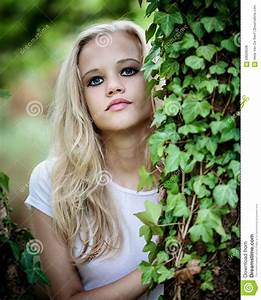 Blonde tiener