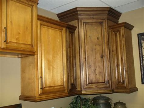how to glaze oak kitchen cabinets using antiquing glaze to change cabinet color kitchens 8666