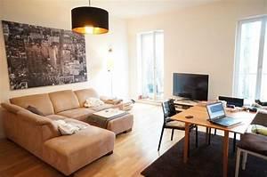 Warme Farben Wohnzimmer : sch ne wohnzimmer einrichtungsidee warme farben f r couch und boden gro e fenster und gro es ~ Buech-reservation.com Haus und Dekorationen