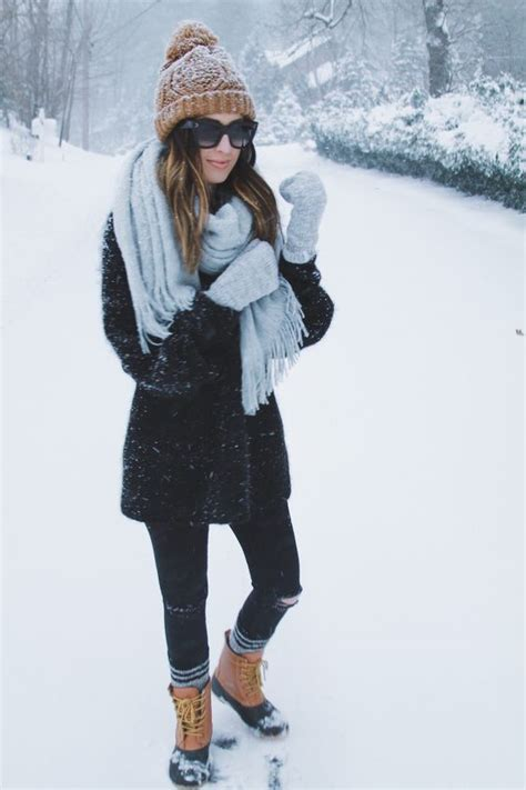 What to Wear in the Snow 13 Cute Warm u0026 Dry Outfit Ideas - Outfit Ideas HQ