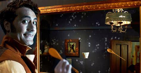 shadows vampire comedy movies movie horror mirror film funny documentary modern waititi taika classic zealand cinema wall reflection