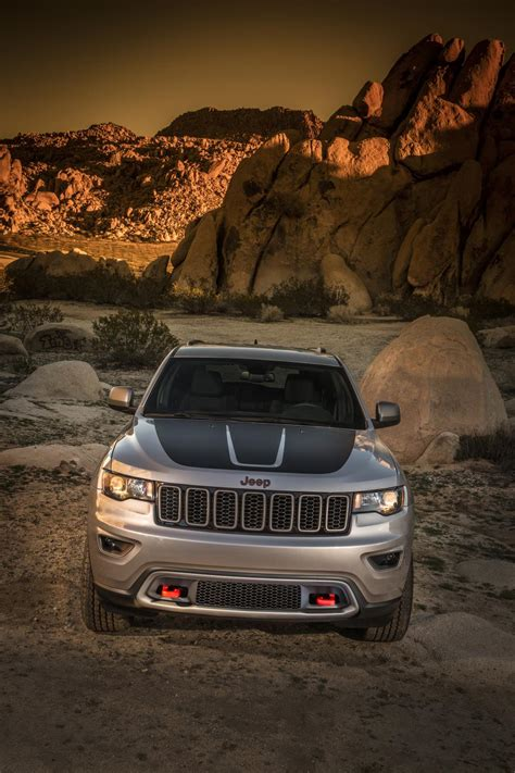 jeep grand cherokee trailhawk  updated summit