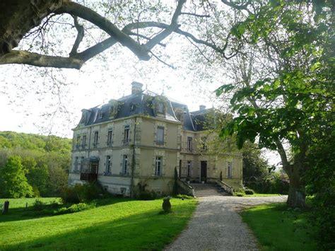 chambre d hotes isere chambre d 39 hôtes de charme château d 39 arzay ref 16050 à