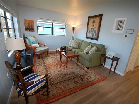 Spacious Downtown Cottage 2 Blocks From The Beach Vrbo
