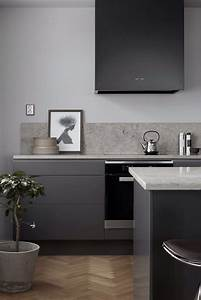 La hotte aspirante est invisible cachee dans le meuble cuisine for Kitchen colors with white cabinets with papier carte grise