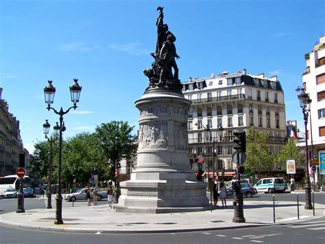 File:Place de Clichy 2013.JPG - Wikimedia Commons
