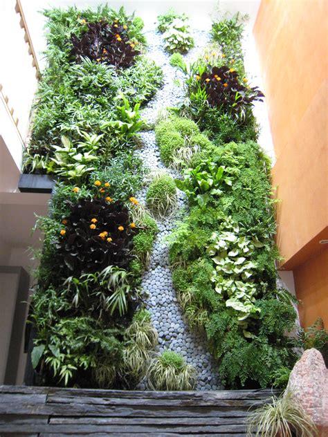 mur vegetal d interieur file mur v 233 g 233 tal int 233 rieur jpg wikimedia commons
