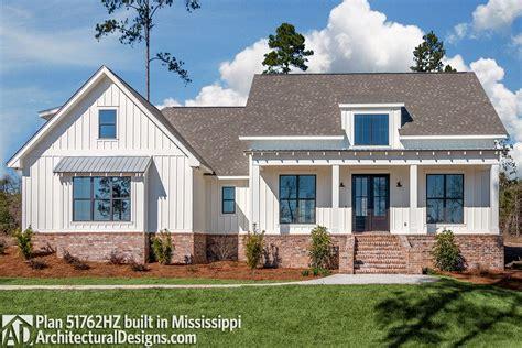 budget friendly modern farmhouse plan  bonus room hz architectural designs house