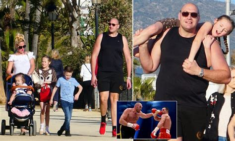 Tyson Fury enjoys family break in sunny Marbella | Daily ...