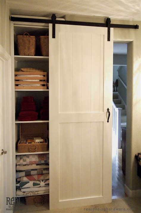 Sliding Closet Doors by Best 25 Closet Door Makeover Ideas On