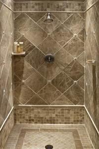 Small tiles floor and large diamond cut shape tiles for for Diamond cut floors