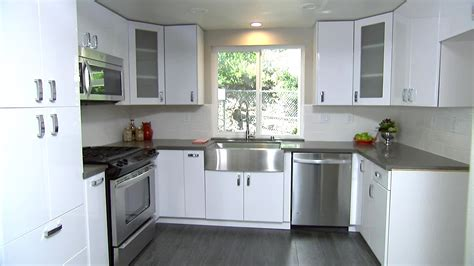 top of kitchen cabinet ideas top kitchen cabinet color ideas with white appliances that