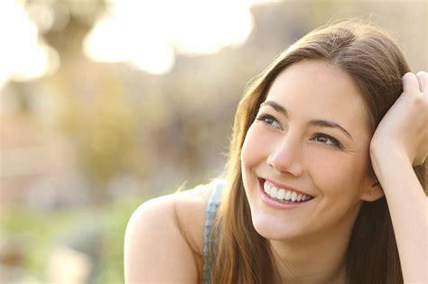 Psihologi iesaka 6 padomus, kā radīt labu pirmo iespaidu