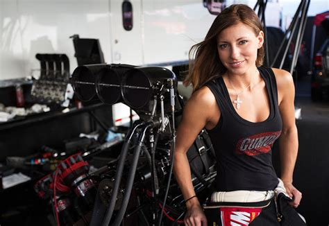 A Look at Stunning NHRA Top Fuel driver Leah Pritchett @LeahPritchettTF