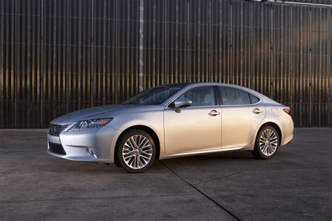 how petrol cars work 2012 lexus es electronic toll collection 2014 lexus es 350 seduces with luxury smoothness and practicality review the fast lane car