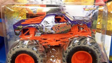 monster truck jam youtube hotwheels monster jam monster trucks at toys r us youtube
