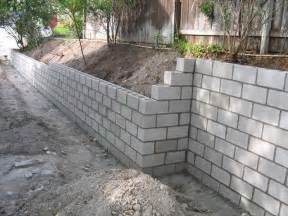 Laying Patio Pavers Instructions by Walls Cinder Block Retaining Wall With The Installation