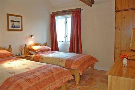 orange  brown bedroom ideas tan  brown bedroom