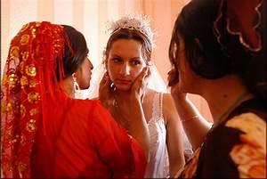 Sad Gypsy Wedding (17 pics) - Izismile.com
