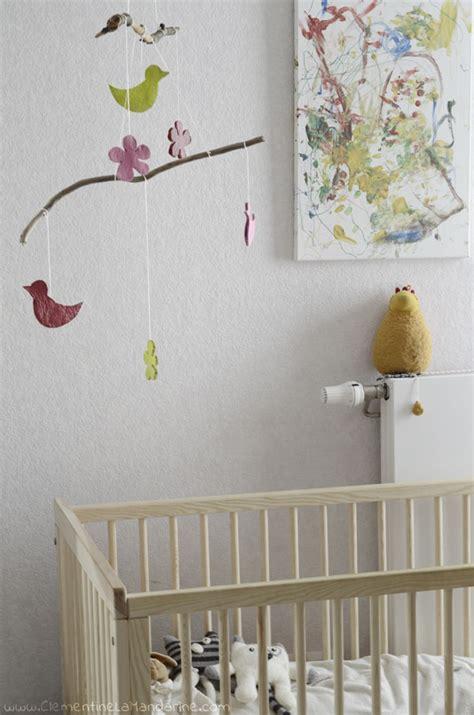 décorer la chambre de bébé diy mobile de printemps pour décorer la chambre de bébé