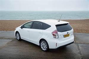 Toyota Prius Versions : toyota prius v prius 2015 2016 autoevolution ~ Medecine-chirurgie-esthetiques.com Avis de Voitures