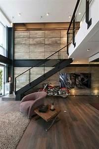 Maison Minimaliste  Mur En Bois  Escalier En M U00e9tal Avec