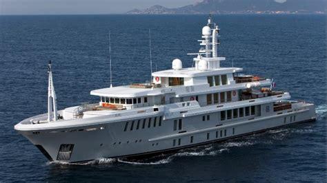yogi   largest yacht   sank beam yachts