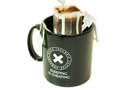 How to brew coffee with your cowpresso drip coffee bags! Coffee drip bags made from paper | MRW