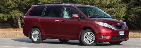 Minivan Cars : Updated 2017 Toyota Sienna Gains Power And Gears
