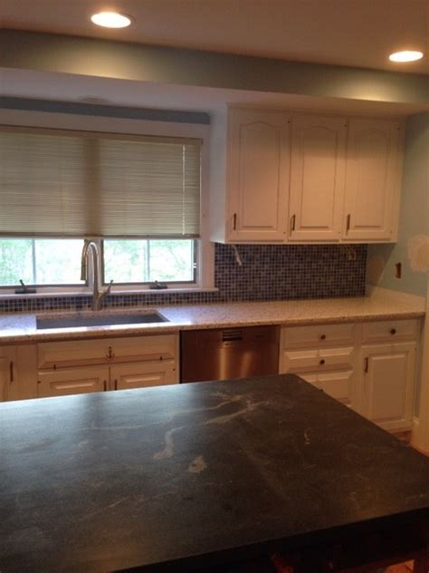 kitchen cabnet design how far to run tile backsplash 3303