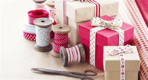 comment fabriquer une cuisine pour fille papiers emballages et paquets cadeaux nos idées