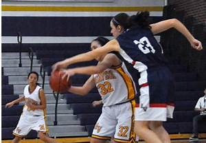 Girls varsity basketball suffer a 28-42 defeat to rival ...