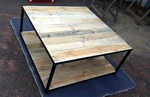 Pallet coffee table with metal base pallet furniture diy for Diy metal furniture
